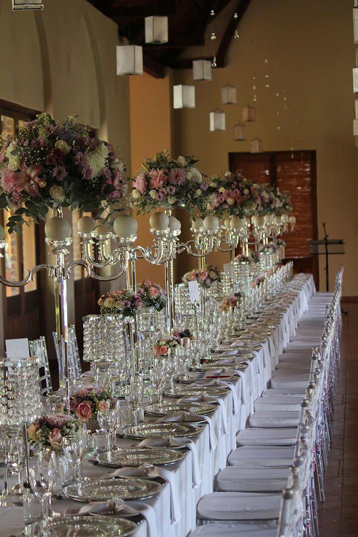 banquet tables, wedding decor, crystal decor
