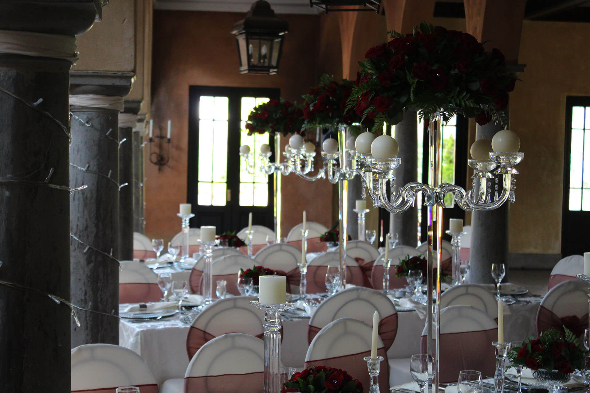 Avianto, crystal decor, elegant wedding decor, wedding flowers